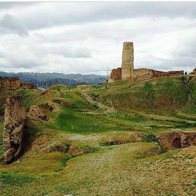 قلعه تاریخی منوجان